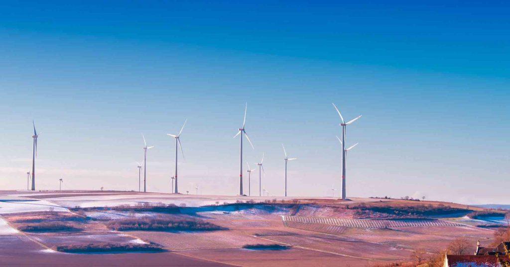 Un champ d'éoliennes en Allemagne.