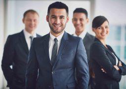 Une équipe de 4 consultants.